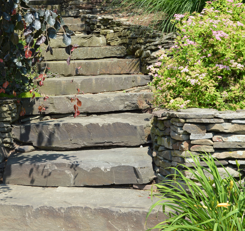 5 Rustic Elements for your Middleton, New York Landscape Design
