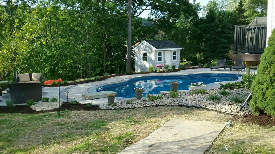 Choosing A Landscape Design Style Modern Or TraditionalLandworx Awesome Home Landscaping Designs Style