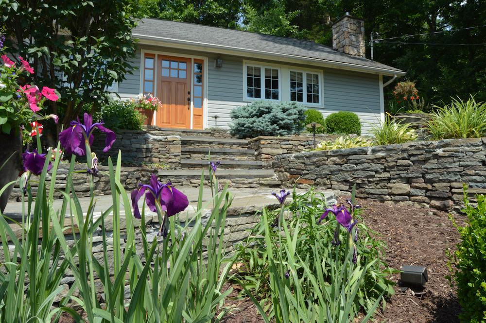 4 Stylish Landscape Design Ideas For A Modern Front Entrance In