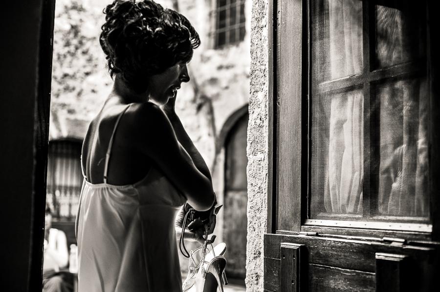 16_Destination_Wedding_in_Monemvasia_bridal_preparation_earrings.jpg