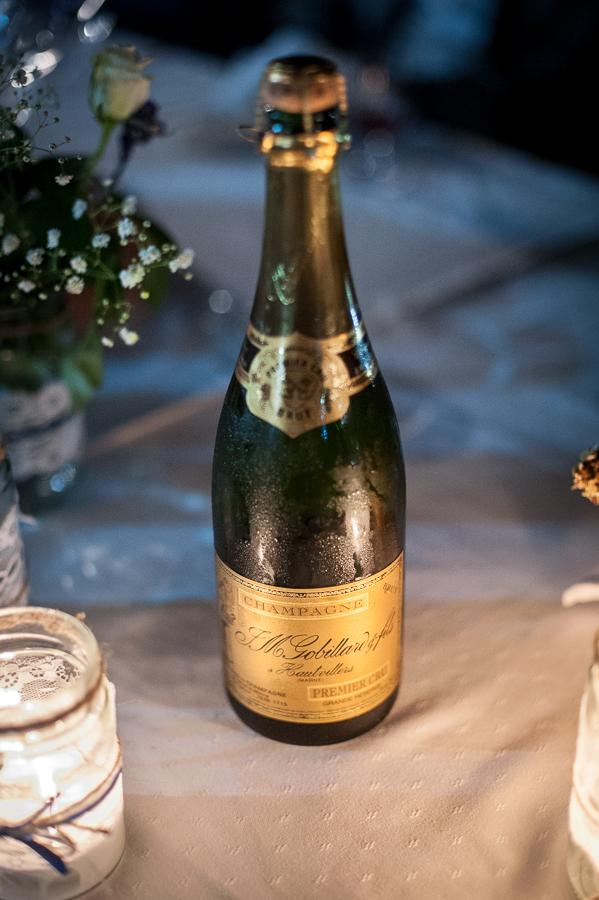 49_Destination_Wedding_in_Monemvasia_champagne.jpg