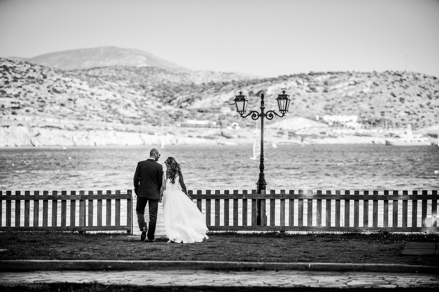 06_After_wedding_location_athens_by_the_sea_wooden_fence.jpg
