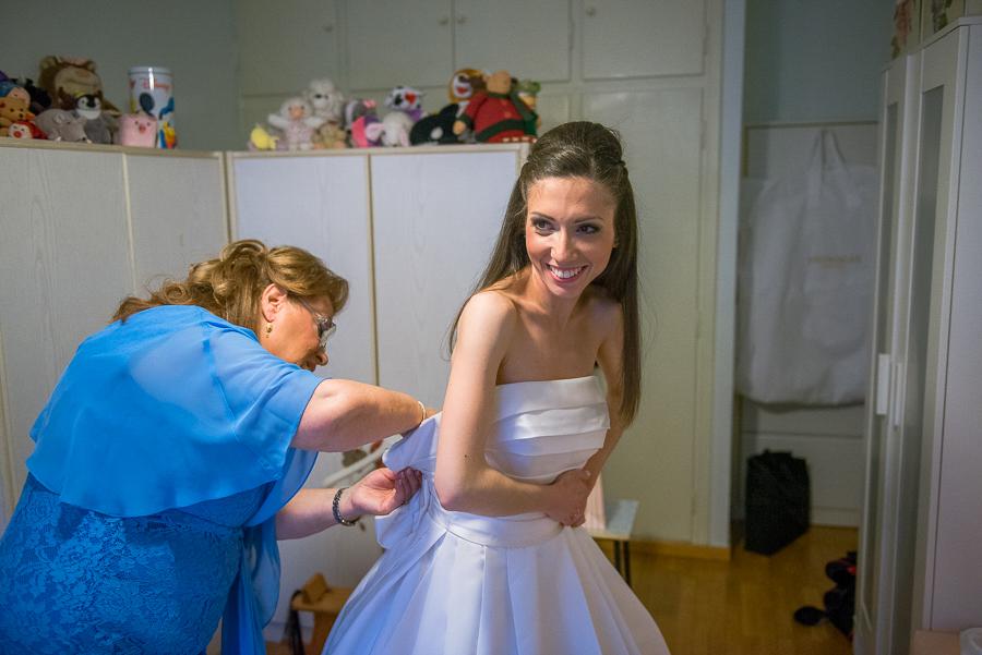 27 filothei wedding bride preperations.jpg