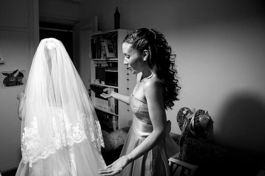 38 filothei wedding bride preperations.jpg
