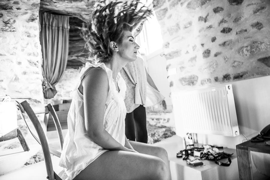 57_Wedding in Folegandros bride preperations.jpg