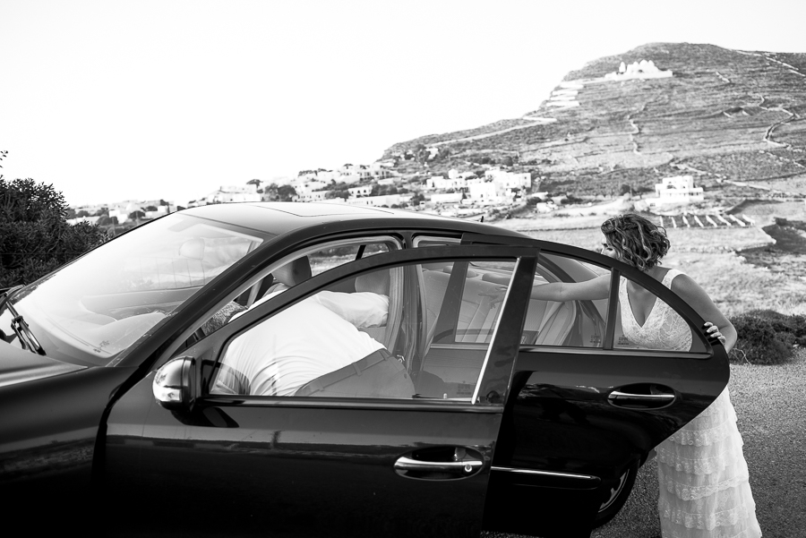 81_Wedding in Folegandros bride in the car.jpg