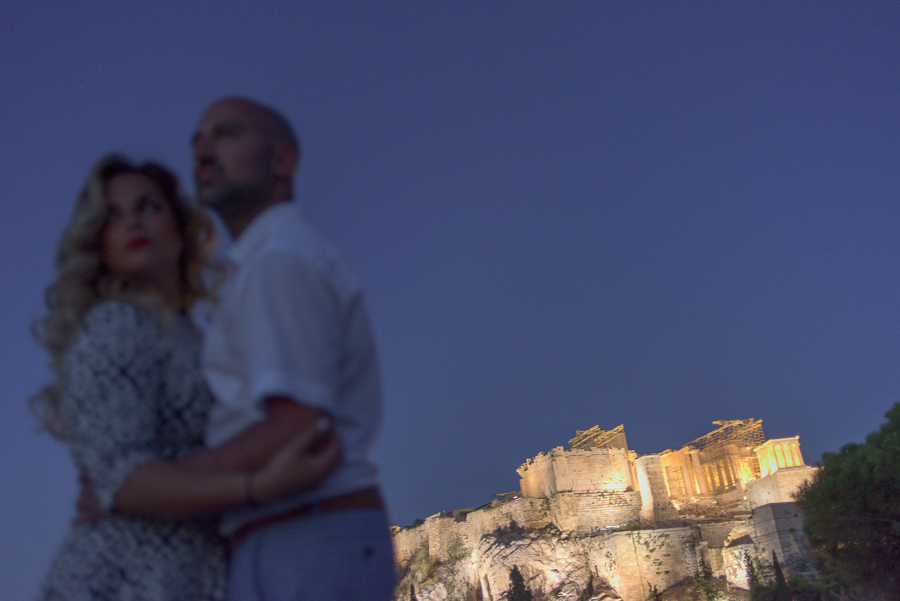 15_ pre wedding in athens acropolis by night.jpg