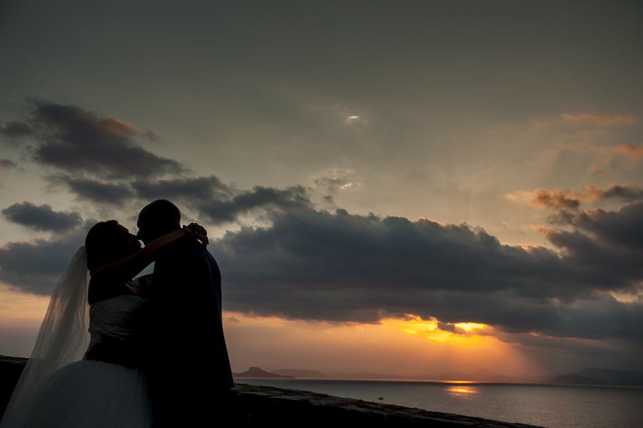 192_Hydra Wedding Bride and groom sunset shot.jpg
