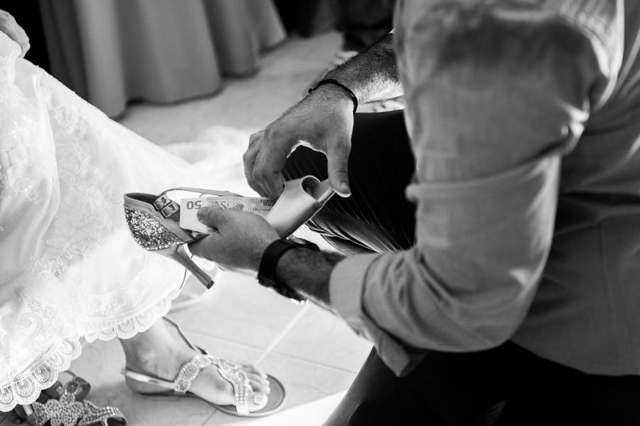 81 γάμος στο αγρίνιο νυφικό παπούτσι.jpg