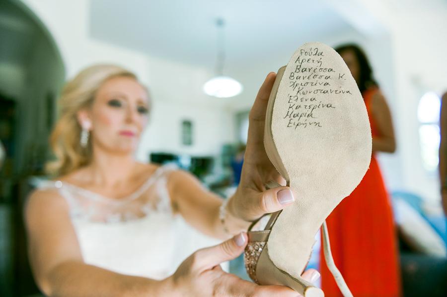 89 γάμος στο αγρίνιο ονόματα στο νυφικό παπούτσι.jpg