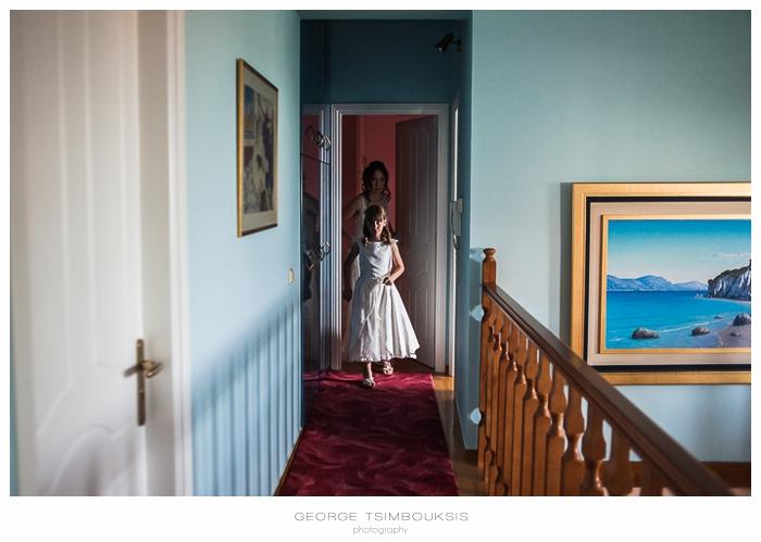 34 Γάμος στην Αθήνα νύφη με το νυφικό.jpg