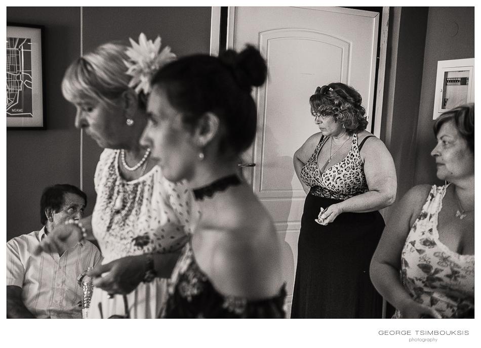 34_Wedding in Thessaloniki breide's family.jpg
