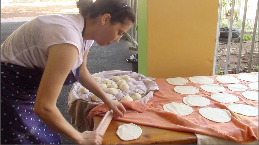 rolling-bread.jpg