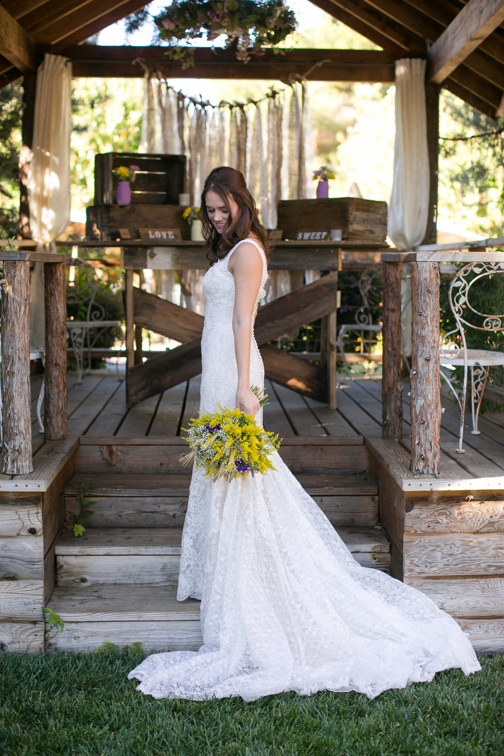 Velours Designs | Redding California | Wedding Florist