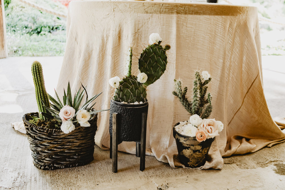 Bohemian Summer Wedding | Velours Designs | Marianna Chambard Photography
