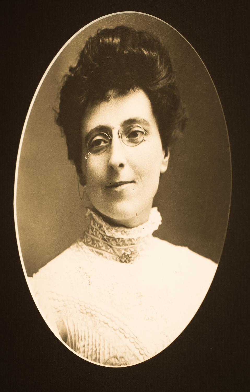 "L.M. Montgomery- ""Maud"""