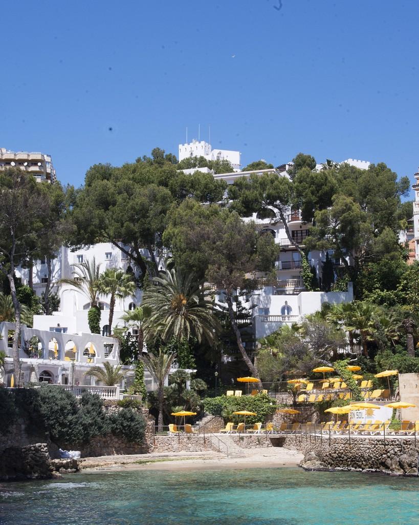Das großzügig angelegte Hotel Bon Sol mit seinem kleinen Privatstrand