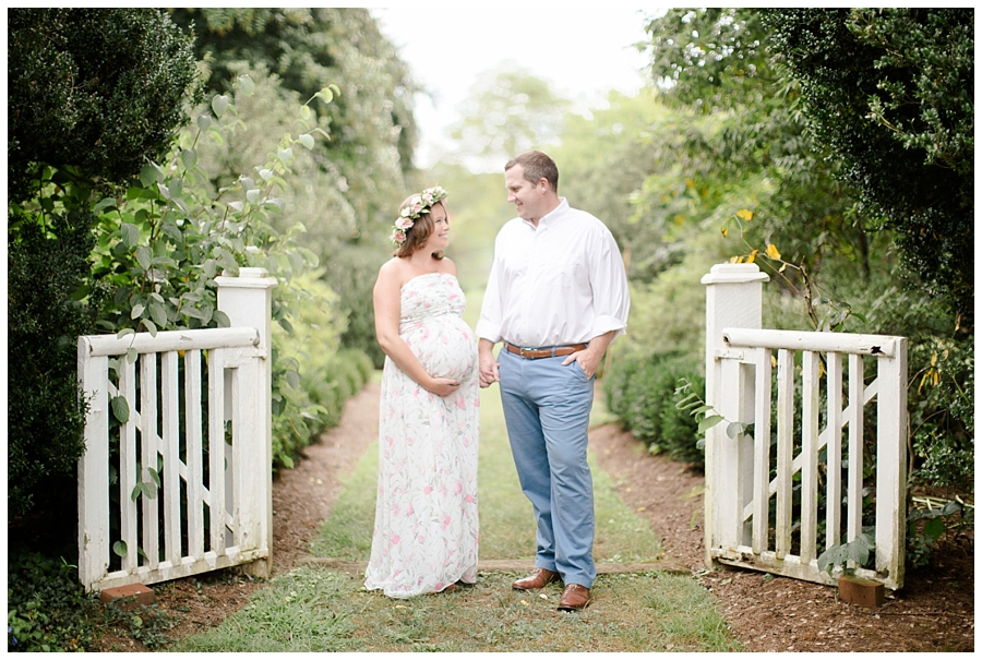 Tuckahoe Plantation Maternity Session Northern Virginia Maternity Photographer