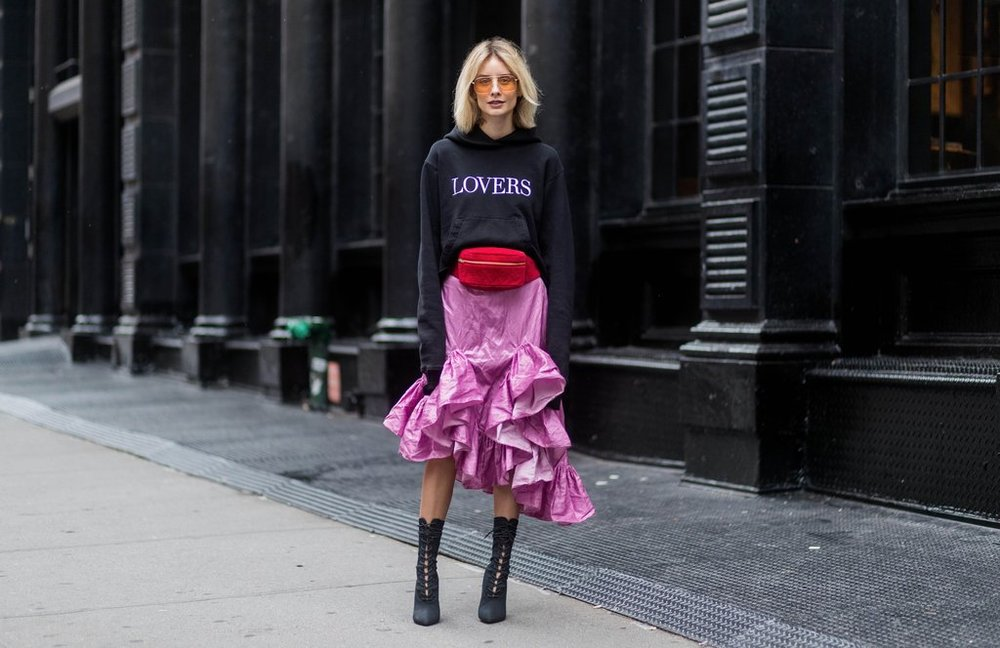 Pink-Red-Street-Style-Outfits-Fashion-Week-Spring-2018.jpg
