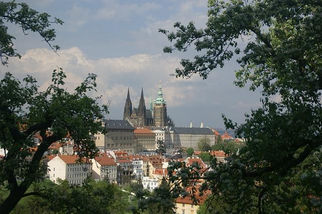 castle-224484_640.jpg
