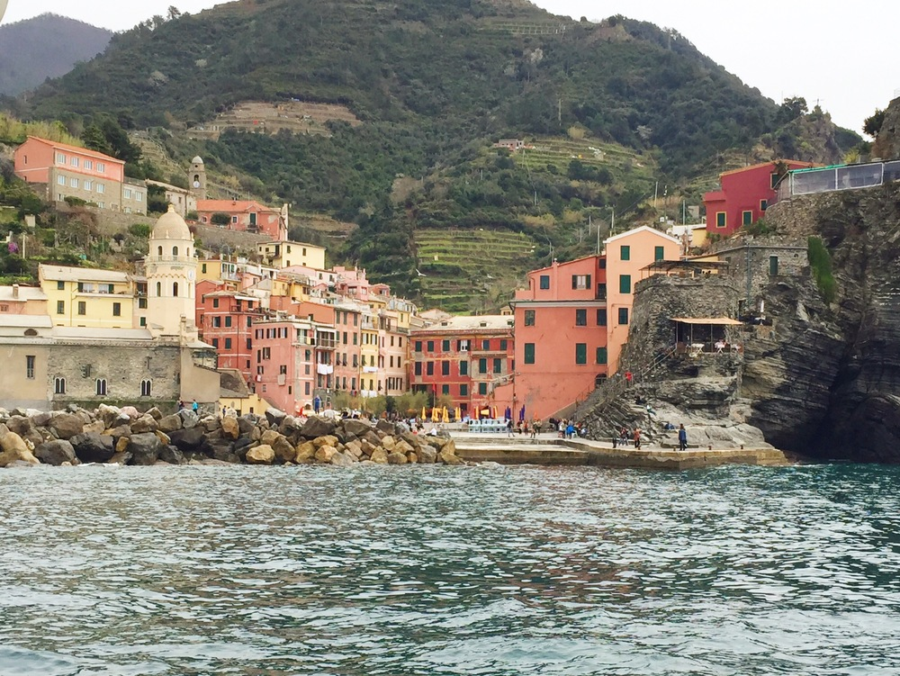 visit Vernazza in cinque terre