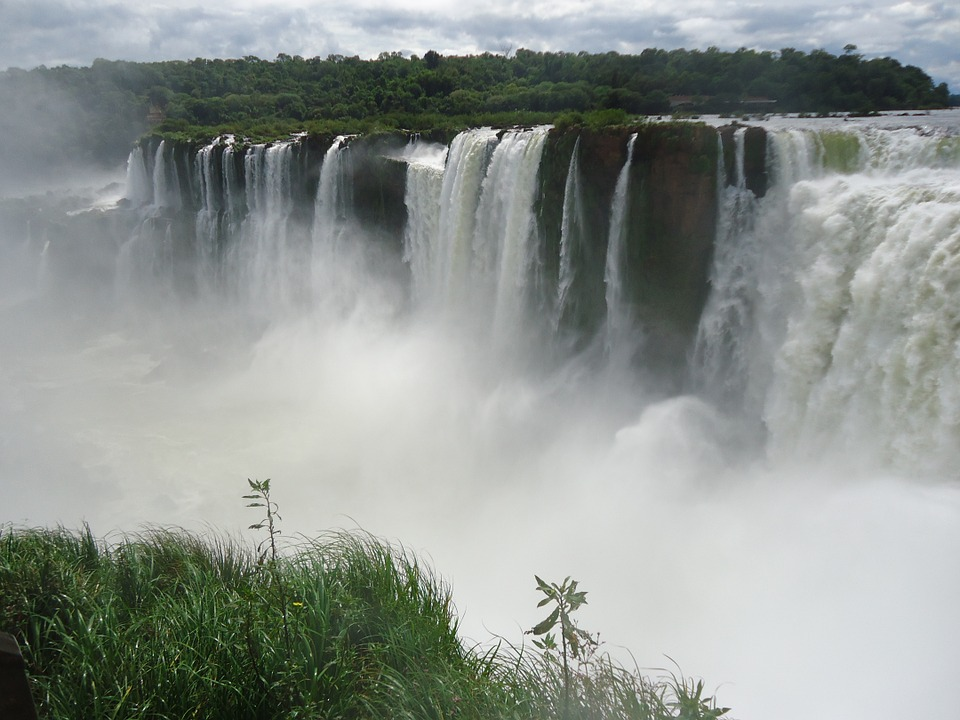 visit-iguazu-falls.jpg