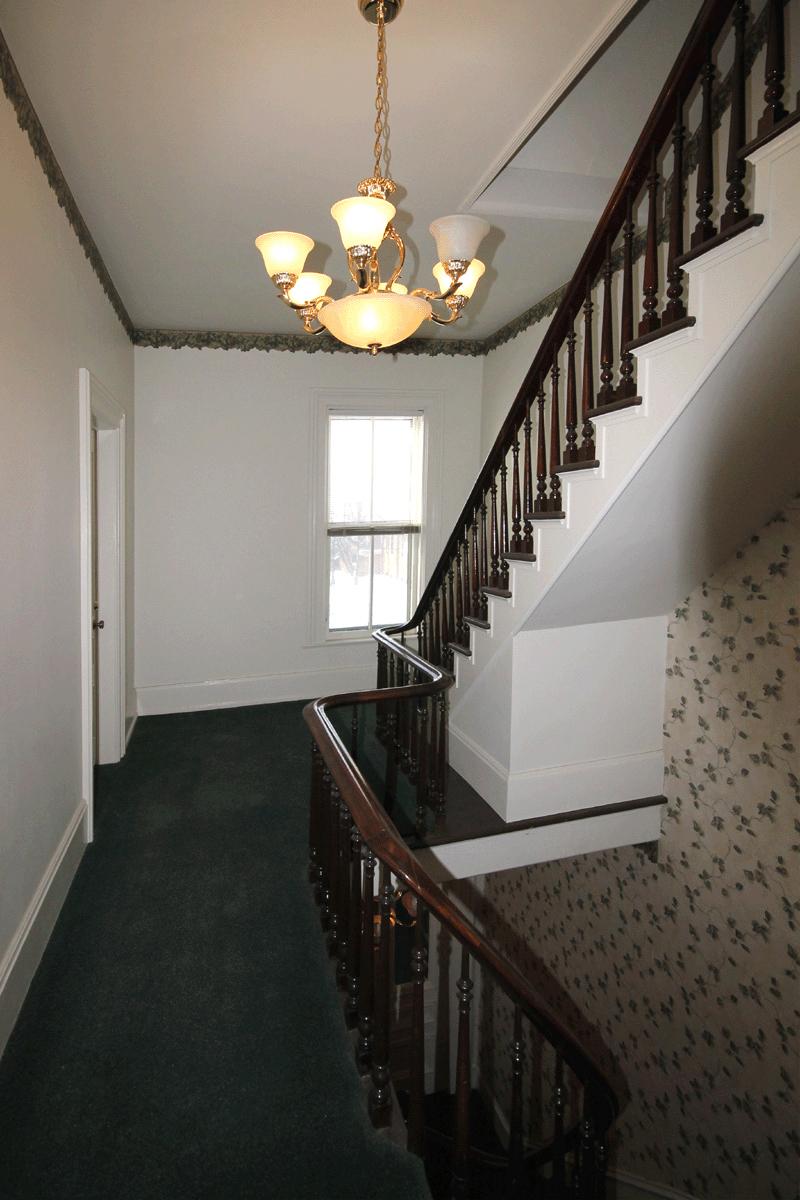 207-Jefferson-Hallway.jpg
