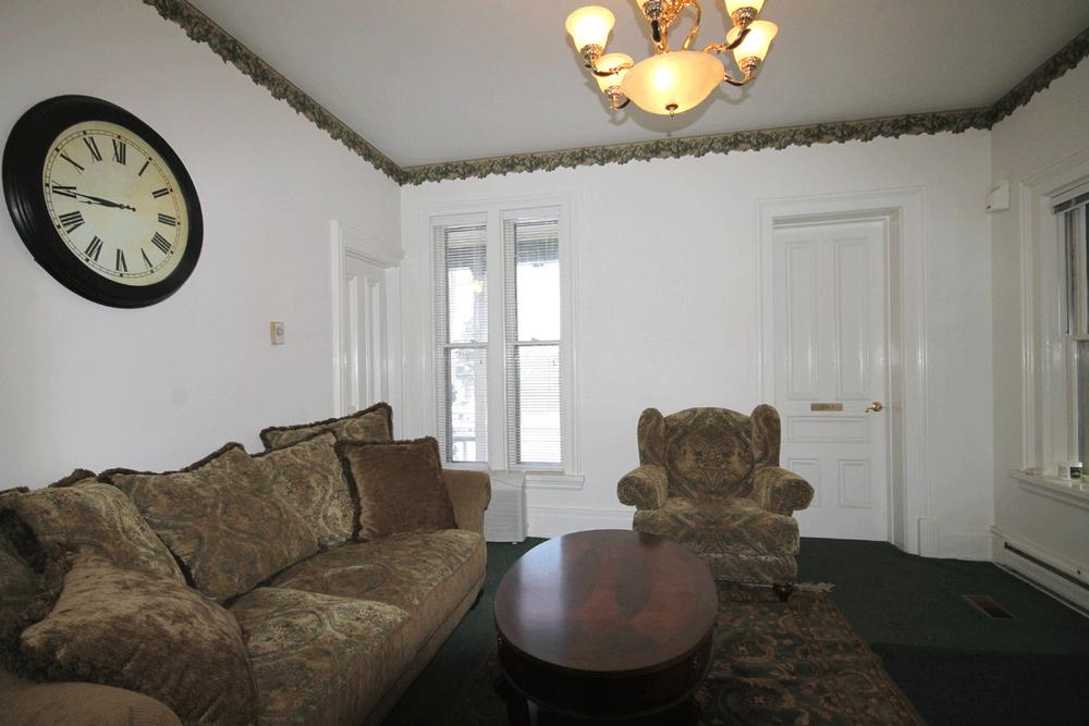 207-Jefferson-Room2.jpg