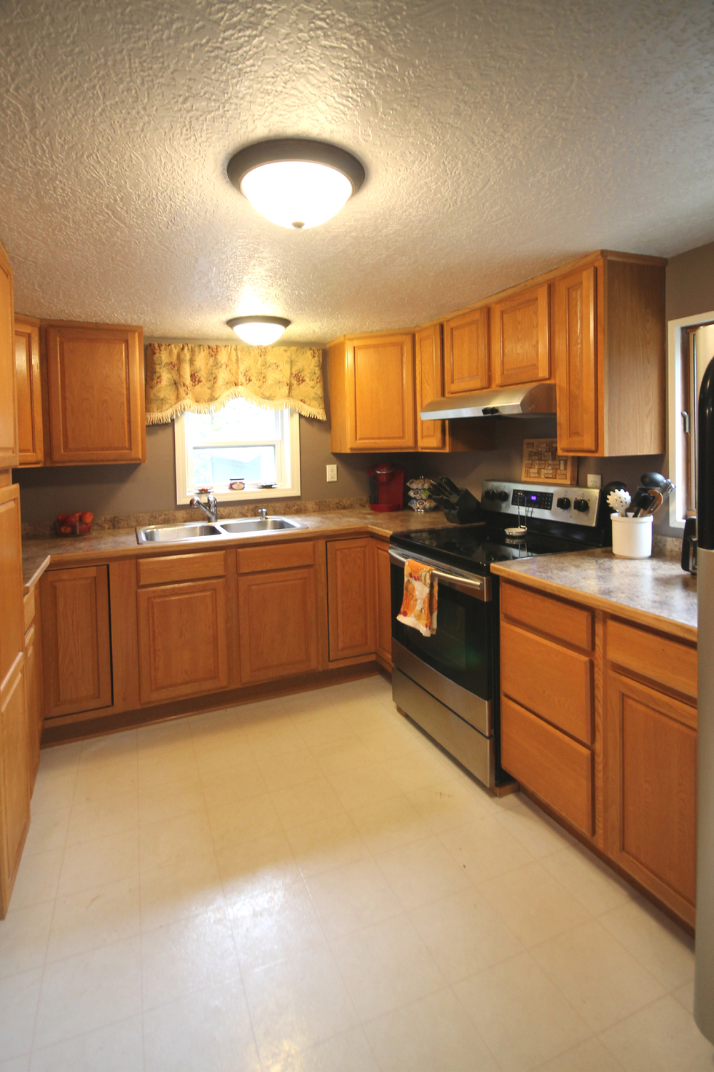 213-S.-Rogers-Kitchen.jpg