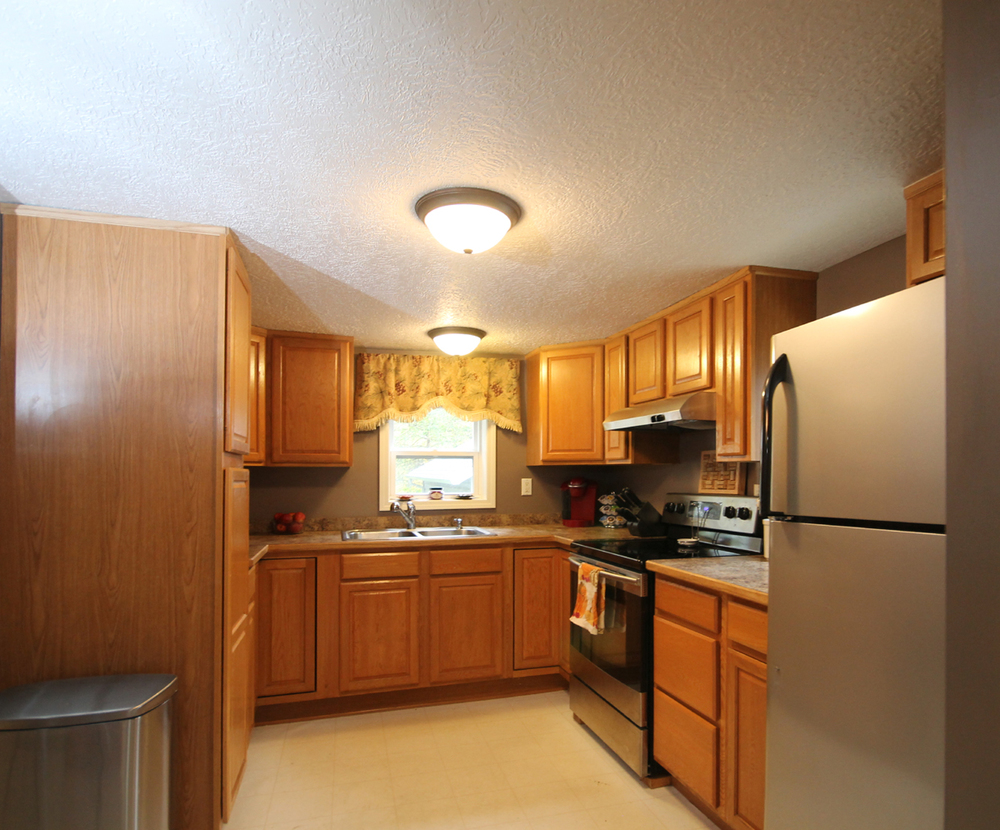 213-S.-Rogers-Kitchen2.jpg