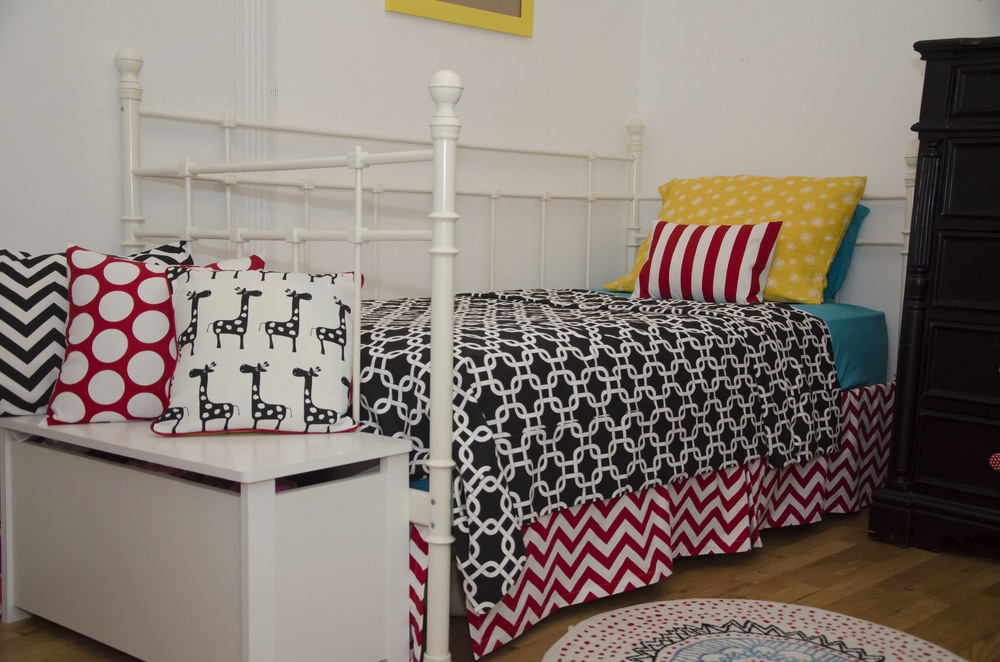 Unisex Children bedroom (9).jpg