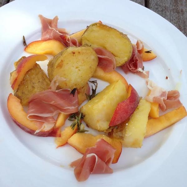 Prosciutto and Peach salad