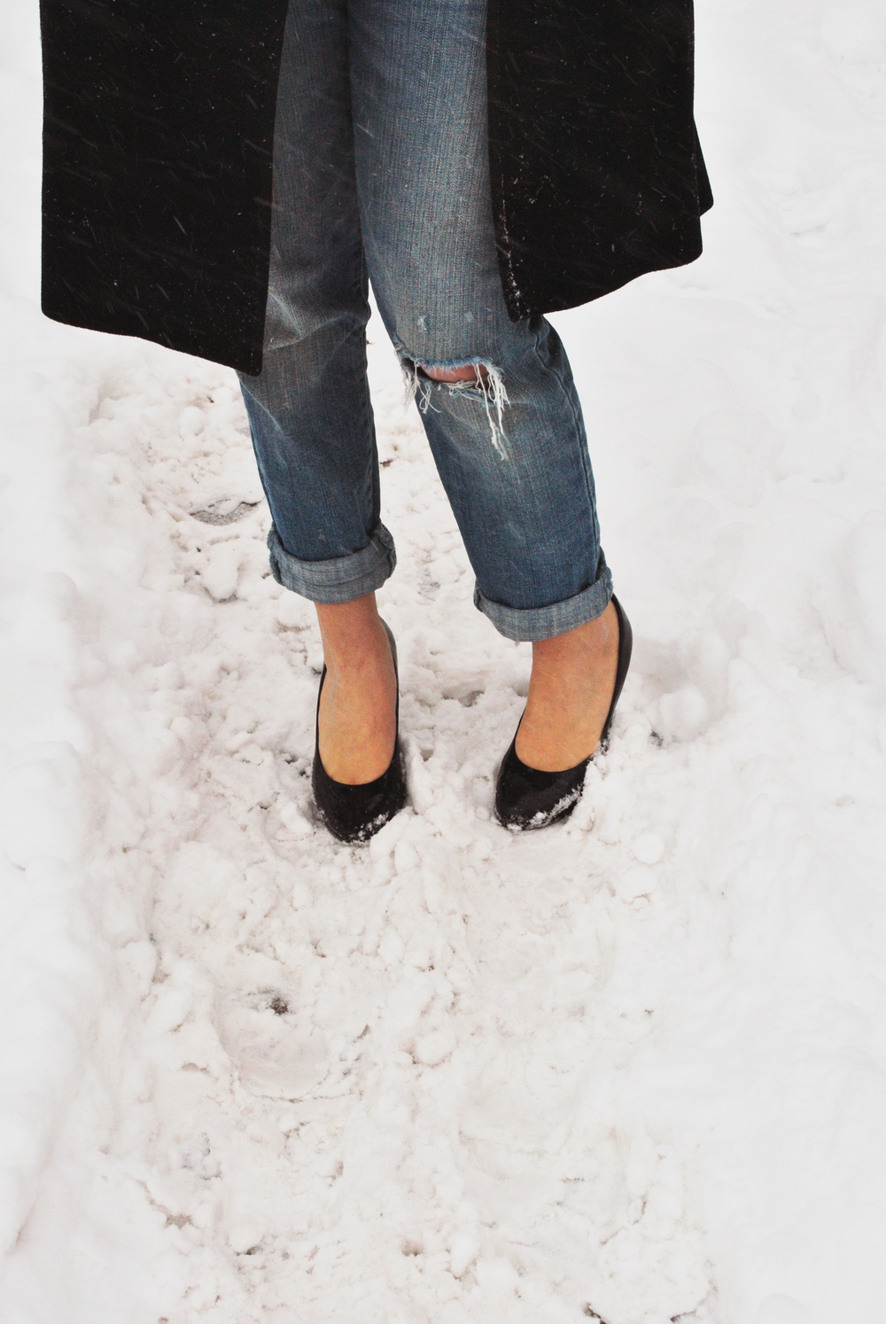 Spots of Black, heels and snow | Thoughtfulwish