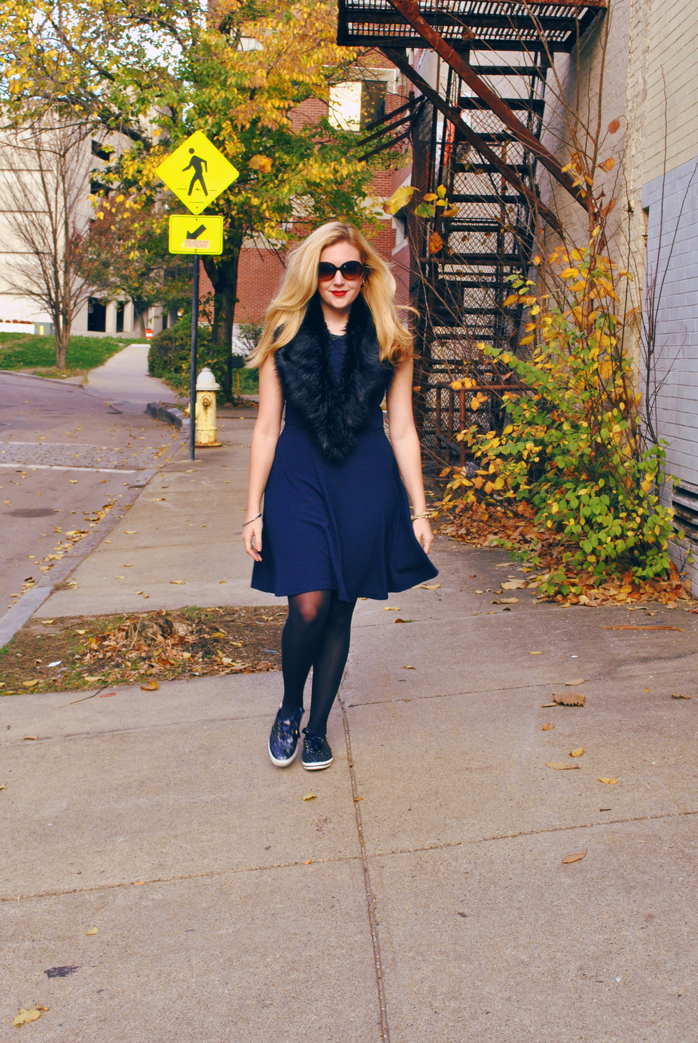 thoughtfulwish | preppy outfit // boston fashion // new england fashion // preppy // faux fur // navy dress // kate spade // primark boston // scream queens fashion