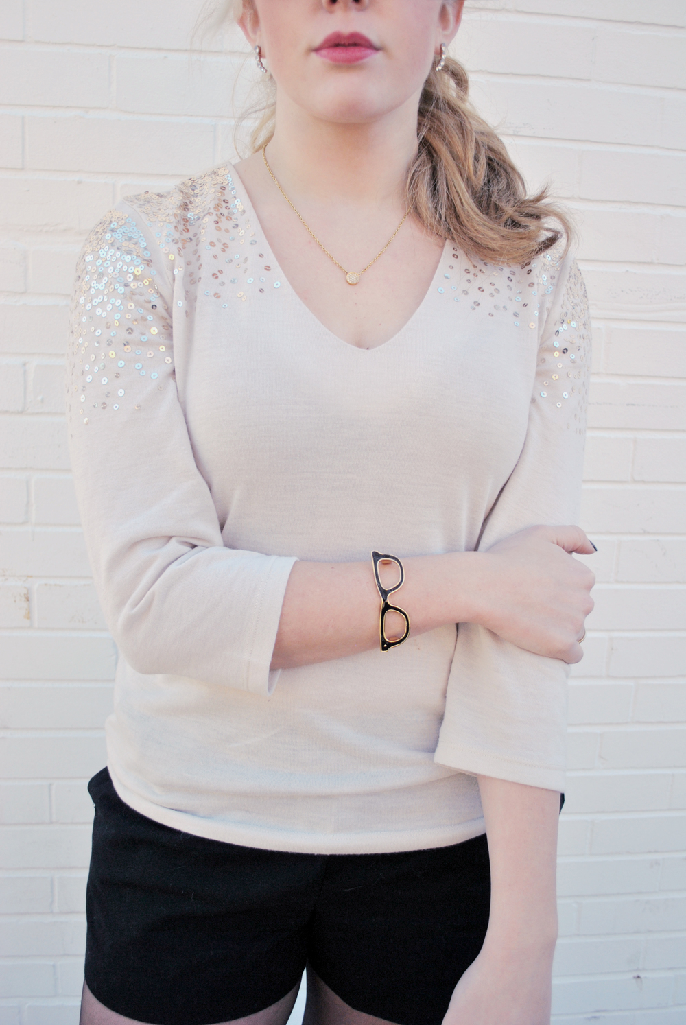 thoughtfulwish | preppy outfit // glitter // gold // glitter sweater // holiday outfit