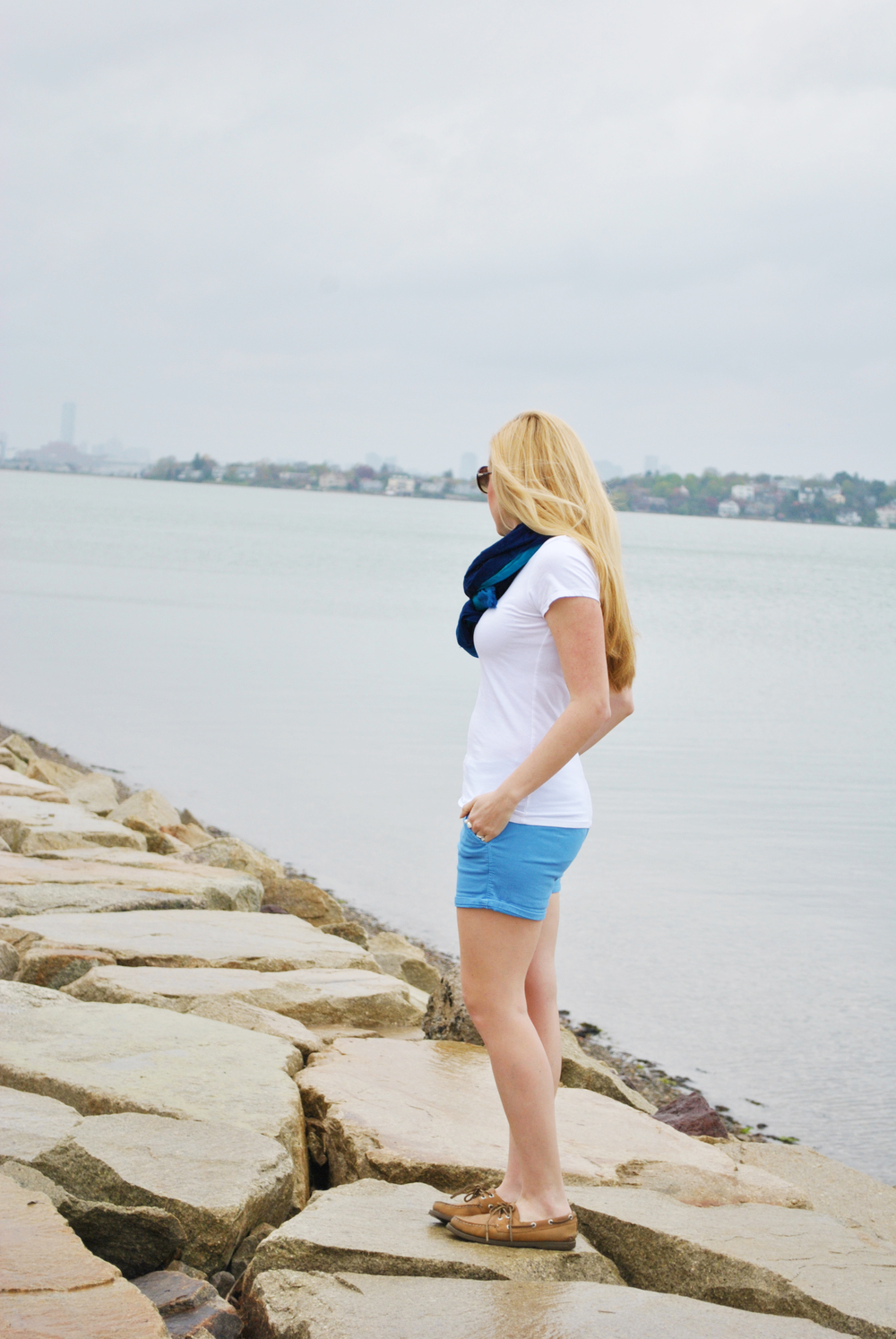 thoughtfulwish | summer // summer outfit // shorts // AEO // american eagle // blue // beach // preppy // boston // fashion blogger // meredith wish