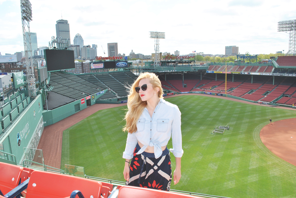 thoughtfulwish | fenway park // red sox // fashion blogger // preppy // baseball // ootd // boston // palazzo pants // meredith wish