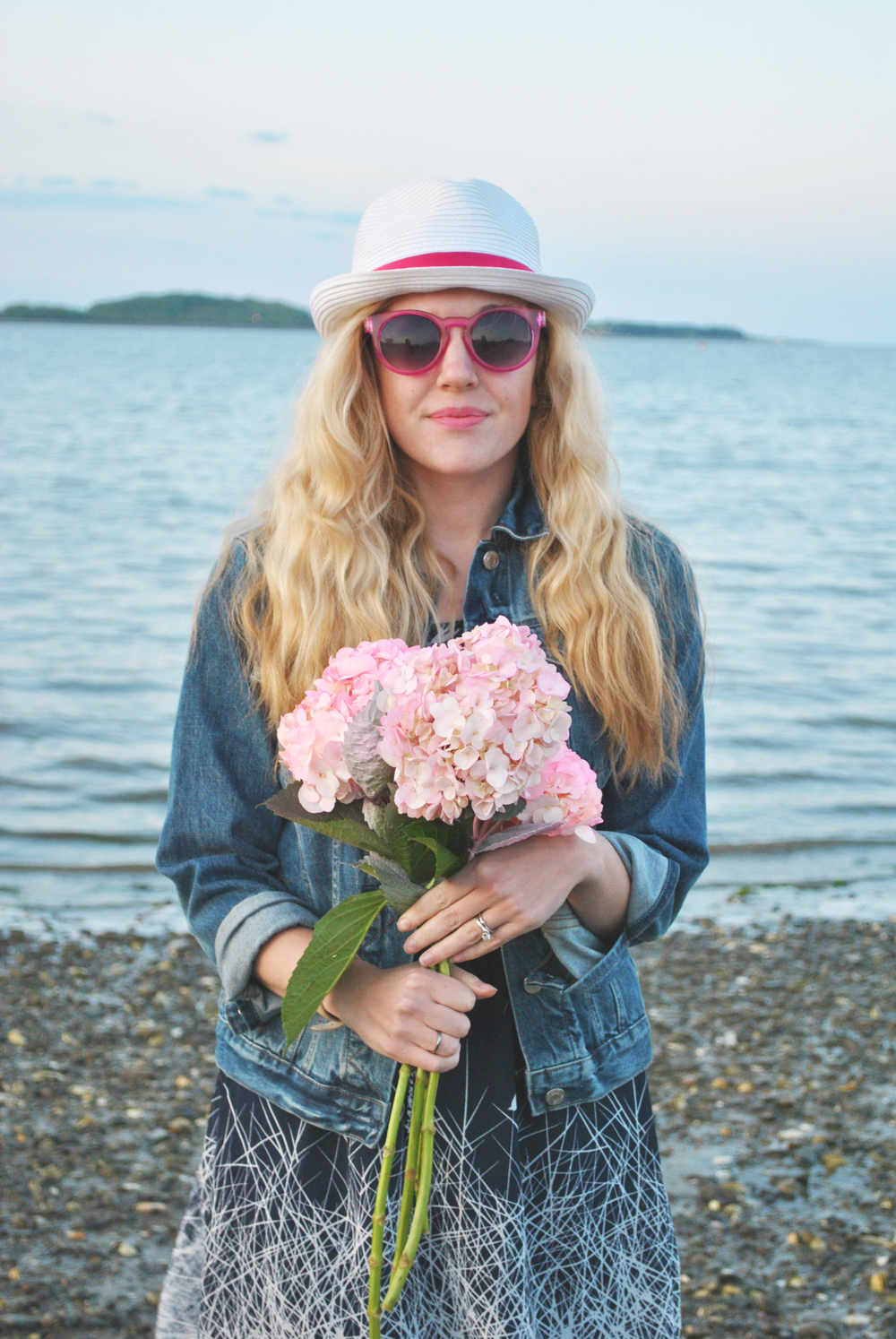 thoughtfulwish | flower child // boston // beach life // boston // boston blogger // preppy outfit // nautical // fashion // fashion blogger // ootd // meredith wish
