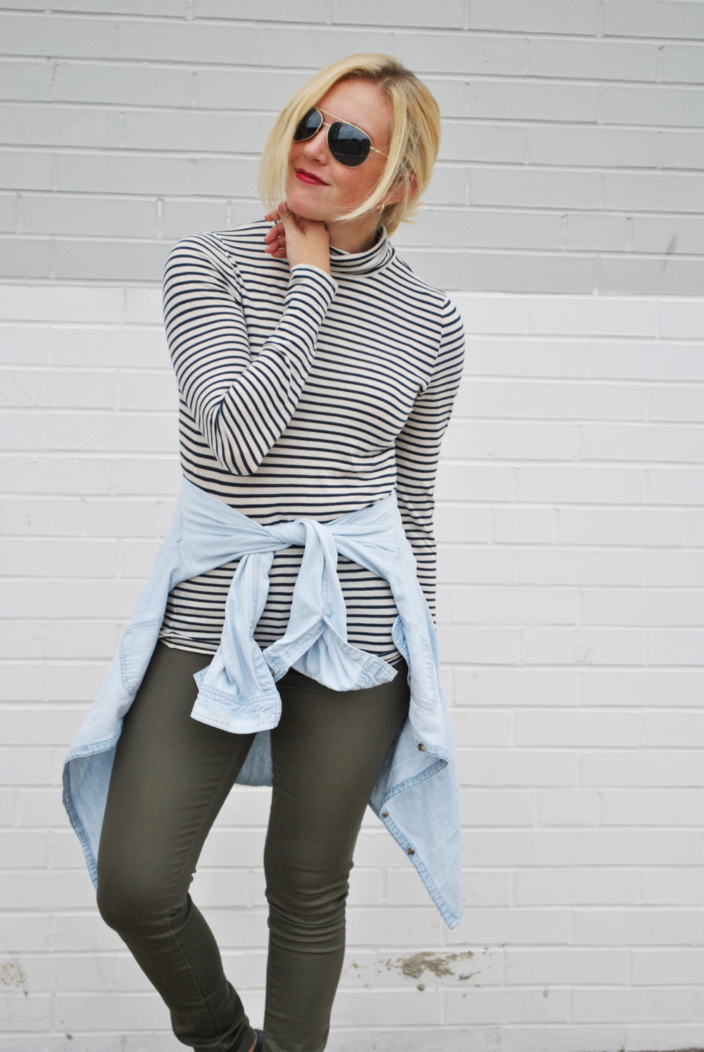 thoughtfulwish | j.crew // preppy style // fblog / fashion blog // stripes // chambray // layers // fall outfit // fall look // fall wear // meredith wish // boston fashion
