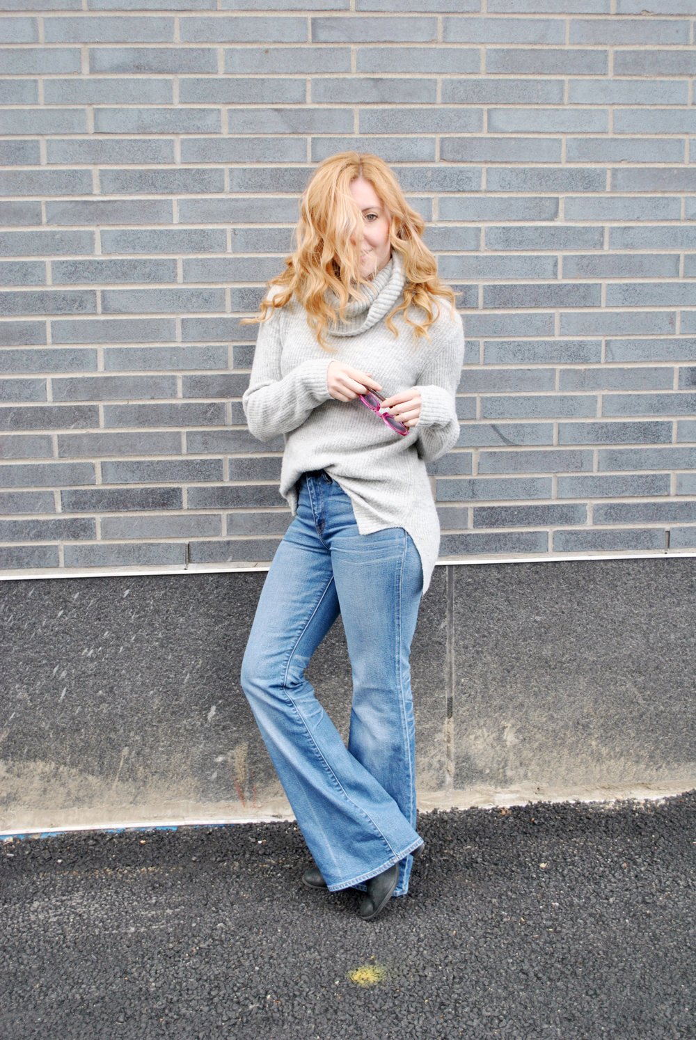 thoughtfulwish | flea market jeans, madewell, asos, comfy chic, cashmere, half-tuck, denim, bosbloggers, street style, meredith wish