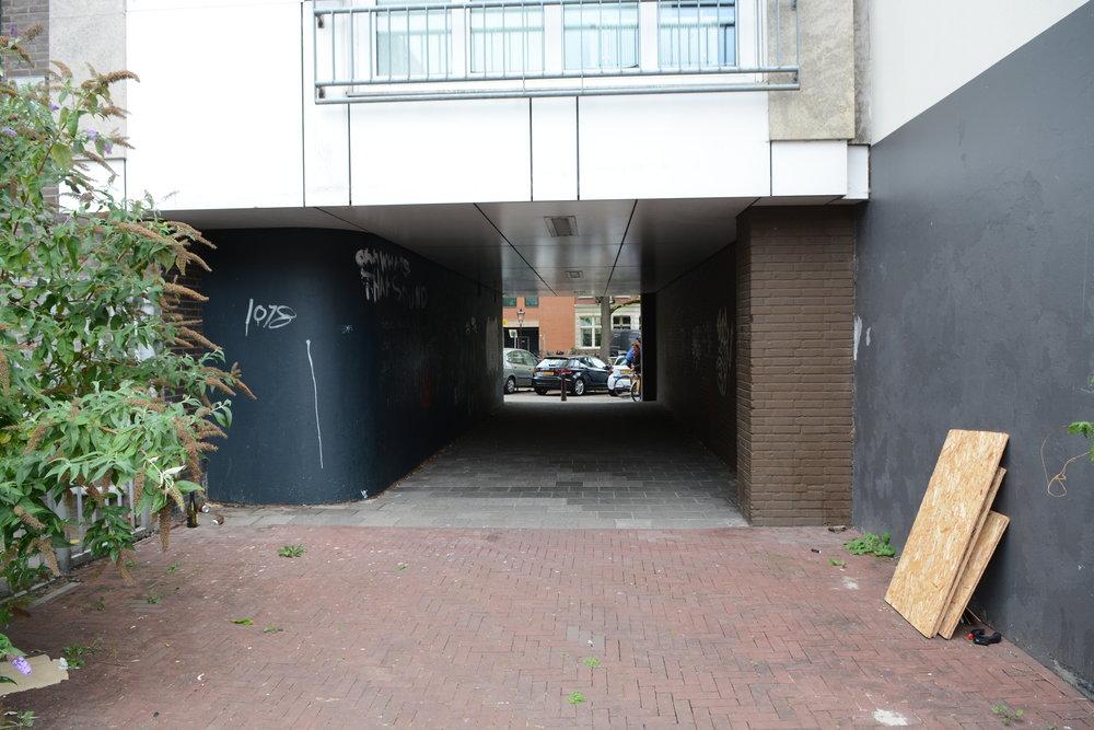 Onderdoorgang Lepelkruisplein naar Nieuwe Prinsengracht naast nr. 44. Foto Rob Brouwer