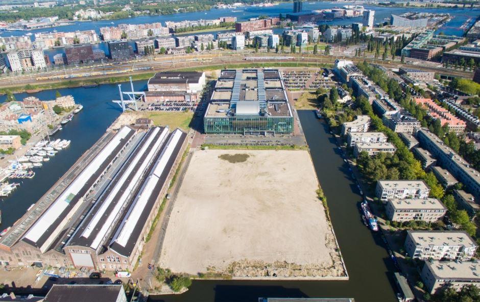 Bouwrijpe grond Oostenburg-Noord naast Van Gendthallen