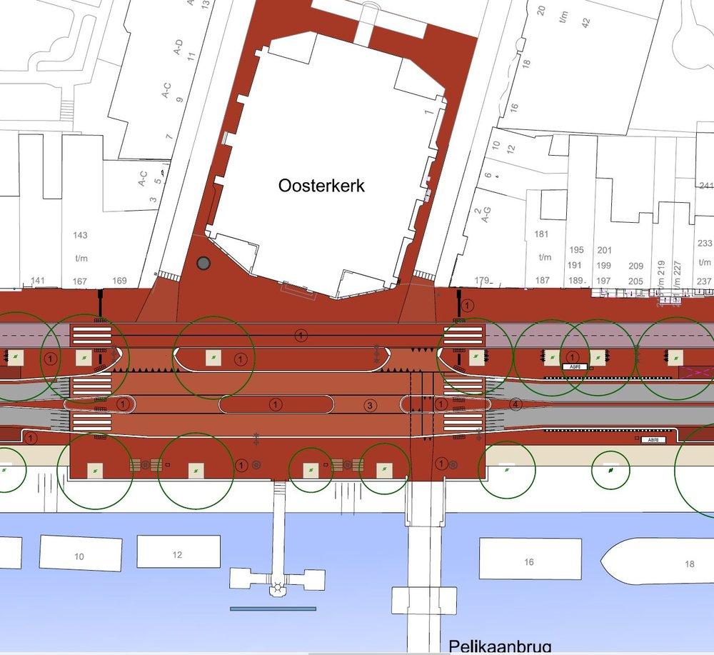 Ontwerpversie april 2018. De bushaltes liggen tegenover elkaar ten oosten van de kruising.