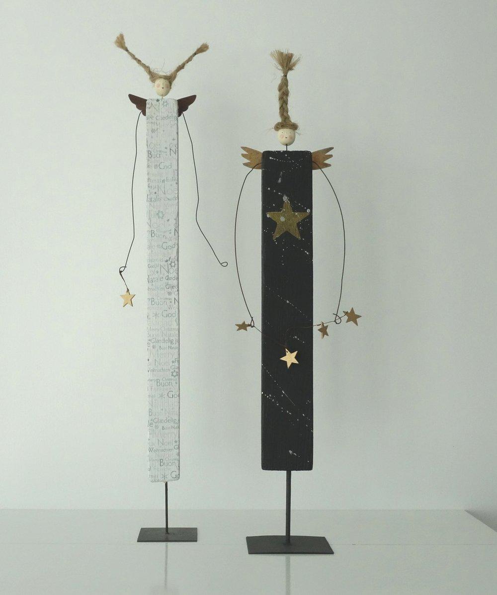 Links: Lulu,80 cm hoch, CHF 110.--,, Rechts: Melanie 75 cm hoch, CHF 110.--, im Atelier