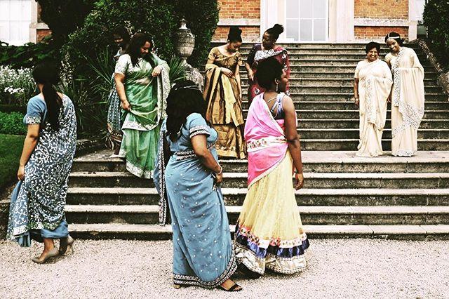 More #saree #sari images from #kelmarshhall and the #wedding of Tamara & Nipun, I just love the colour here, using the  #fujixpro1 #fujinon18mmf2  #fujifilm #weddingphotographer #northamptonshire