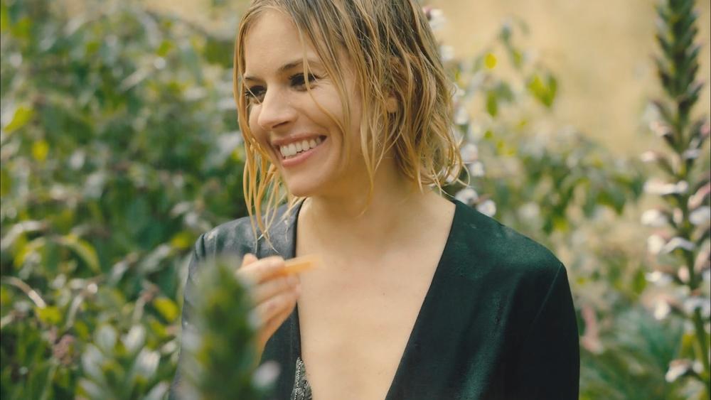 Vogue Sienna Miller_1.1.10.jpg