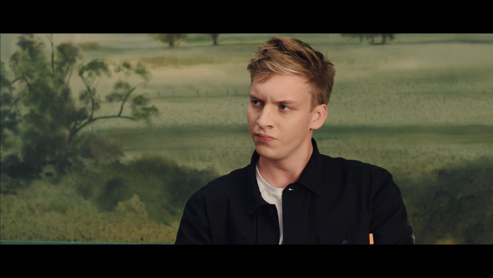 GEORGE EZRA LISTEN TO THE MAN_1.15.3.jpg