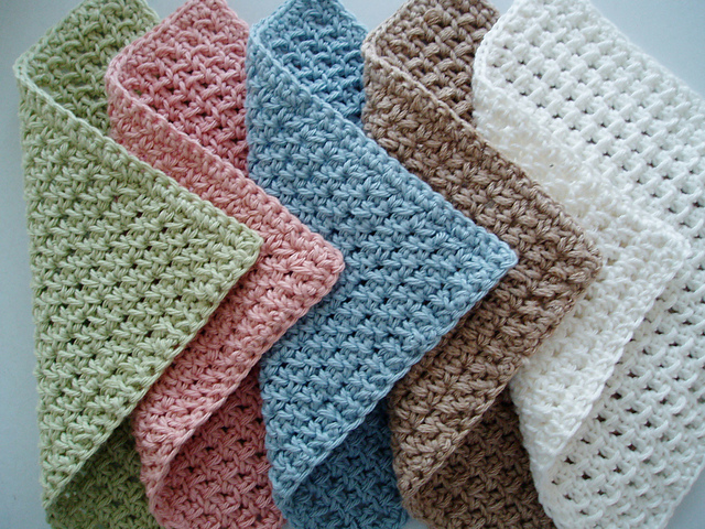 Fancy washcloths are a lovely gift and very classy. These are designed by Kate Alvis and you can find the free pattern on Ravelry.