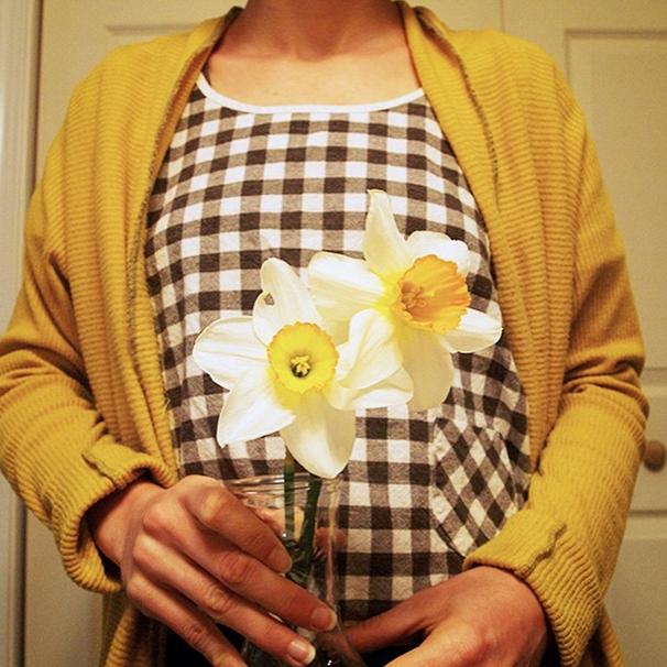 Saffron cardigan, black check, daffodils