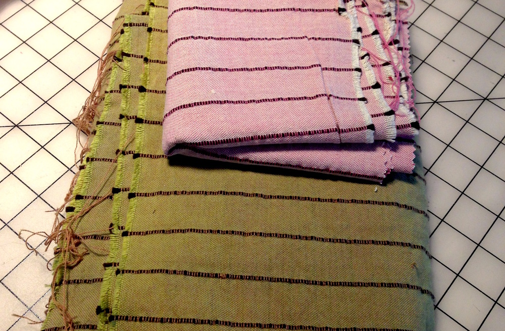 This fabric is a favorite in my stash and while I loved the pink color, I knew it would never make it in my wardrobe. So it was overdyed an olive green. The pink in the cross weave turned brown while the white dyed a pretty, bright olive. I decided to spare about 1/4 yd of the pink just in case.